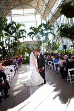 Ceremony Coordination At The Jewel Box Wedding Bowedding Ceremonybeautiful Venueswedding Officiantforest Parkjewel