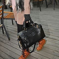 Fashion Diamond Lattice Tassel Knitted Tote – USD $ 25.19