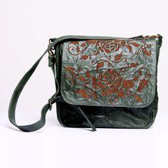 Rose Garden Messenger | Shuvi-Luna | Mexican designer| #Bags #Bolsas  #MomsDay #RegalosMamá