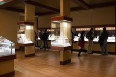 museum exhibit design ideas - Google Search working around pillars