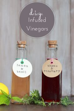 A great gift or pantry addition, these DIY rosemary and thyme infused vinegars can be made from herbs in your garden. To whip up a delicious dressing for salads or a perfect marinade for grilling season, check out this recipe from Alyssa & Carla. Vinegar And Oil Recipe, Red Wine Vinegar Recipes, White Wine Vinegar, Flavored Oils, Infused Oils, Oil Free Salad Dressing, Bistro Food, Homemade Wine, Seasoning Mixes