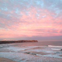 Muy pink. Amanece. Playa de Los Locos. Suances. Catabria. España. Spain. © Laura Junquera