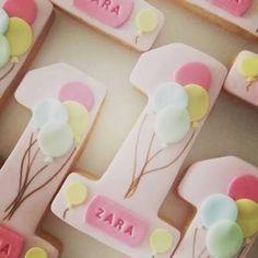 Candy dough cookies visual result about 1 year old - Kekse Fancy Cookies, Iced Cookies, Cute Cookies, Sugar Cookies, Cookies Et Biscuits, Pink Cookies, Fondant Cookies, Royal Icing Cookies, Cupcake Cookies