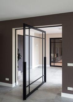 Centraal pivoterende stalen deur uit de populaire 'steel look' collectie van ANYWAYdoors