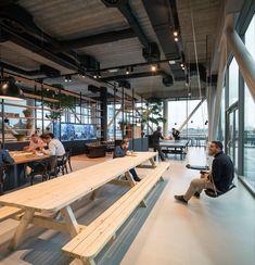 Een kijkje in het kantoor van Funda in Amsterdam - Roomed