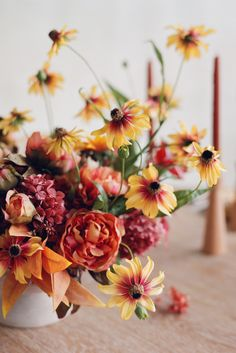 Incorporate the colors of fall into your fall tablescape with Afloral. Beautiful artificial peonies, black-eyed Susans, and mauve hydrangeas are the perfect finishing touch for your Thanksgiving centerpiece or fall home decor. Shop this look by @sirenfloralco + @thismodernromance at Afloral.com. Thanksgiving Centerpieces, Thanksgiving Table, Fall Home Decor, Autumn Home, Artificial Peonies, Black Eyed Susan, Fall Diy, Fall Flowers, Hydrangeas