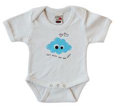 Rompertje maat 56 met blauwe GeluksWolkje opdruk.  Ook in verschillende cadeau-pakketjes verkrijgbaar met GeluksWolkje sleutelhanger of tashanger erbij. Altijd feestelijk ingepakt!  Leuk als kraamcadeautje, of voor jouw eigen 'wolk van een baby' natuurlijk! www.gelukswolkje.nl