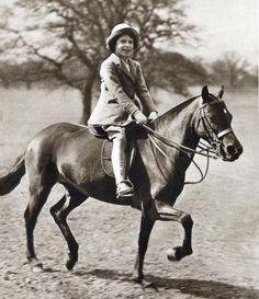 How Cute! Queen Elizabeth II of England Horseback Riding  #InStyle