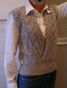 knit vest Ravelry: Aran Vest () pattern by Keiko Okamoto () Knitting Yarn Diy, Aran Knitting Patterns, Knit Vest Pattern, Knit Patterns, Hand Knitting, Knitting Needles, Crochet Designs, Knitting Designs, Knitting Projects