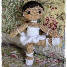 """Beautiful ballerina - international website, needs translation"", ""Muñeca Bailarina Amigurumi - Translate to English!"", ""Ballerina Pattern (page in Crochet Dolls Free Patterns, Amigurumi Patterns, Amigurumi Doll, Crochet Animals, Crochet Toys, Free Crochet, Amigurumi For Beginners, Knitted Dolls, Baby Knitting"