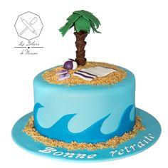 Cake design. Gâteau personnalisé en pâte à sucre sur le thème Plage Mer. Sugar paste Beach Sea side themed cake by Les Délices de Marion. Cake Icing, Cupcake Cakes, Decors Pate A Sucre, Fondant, Beach Baby Showers, Moana, Cake Art, Biscuits, Deserts