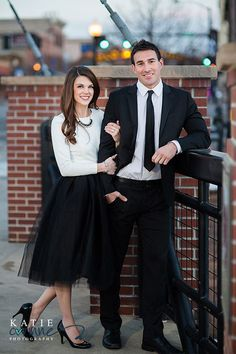 8 Outfits for a Spring Engagement Photo Shoot Engagement Gowns, Outdoor Engagement Photos, Engagement Photo Poses, Engagement Photo Inspiration, Engagement Photographers, Engagement Pictures, Engagement Shoots, Photo Poses For Couples, Couple Photoshoot Poses
