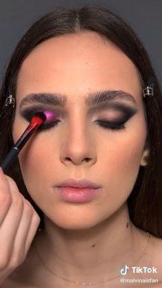 Makeup Eye Looks, Eye Makeup Art, Eyeshadow Looks, Pretty Makeup, Skin Makeup, Eyeshadow Makeup, Goth Makeup Tutorial, Eyeliner Tutorial, Catwalk Makeup