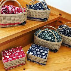 画像に含まれている可能性があるもの:1人 Vintage Bags, Twinkle Twinkle, Macrame, Basket, Projects To Try, Sparkles Glitter, Hamper