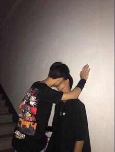 Yoongi, çocukluktan beri beraber büyüdüğü arkadaşına aşıktı ve onun b… #gençkurgu # Genç Kurgu # amreading # books # wattpad Lgbt Couples, Cute Gay Couples, Cute Couples Goals, Couple Goals, Gay Aesthetic, Bad Boy Aesthetic, Couple Aesthetic, Aesthetic Grunge, Parejas Goals Tumblr