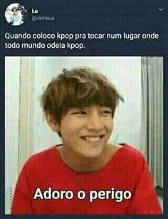 I play kpop in a place where everybody hates kpop: I love the danger Bts Memes, Bts Meme Faces, Foto Bts, K Pop, I Love Bts, My Love, Seokjin, Hoseok, Bts Big Hit