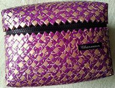 Charmian-delight.: CandyWrapper DIY : Paper weaved box.