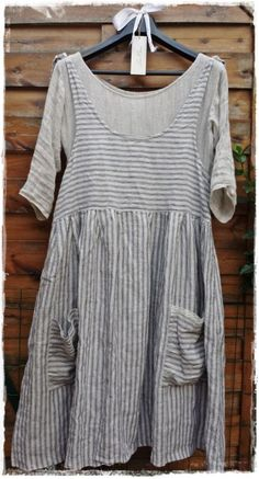 "Striped linen dress ""Les Ours"" with underdress ""Chiffons de Pucerone"" Pretty Outfits, Cool Outfits, Estilo Hippie, Boho Fashion, Fashion Outfits, Linen Dresses, Mode Inspiration, Sewing Clothes, Refashion"