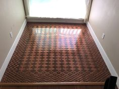 After gathering pennies,Tonya Tooners created a penny floor. The DIY decor project took a few months, but the results are worth every penny. Penny Boden, Cheap Home Decor, Diy Home Decor, Floor Design, House Design, Diy Interior, Interior Design, Diy Casa, Diy Flooring