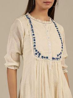 Simple Kurta Designs, Kurta Designs Women, Sleeves Designs For Dresses, Dress Neck Designs, Tunic Designs, Cotton Dresses Online, Dress Online, Kurta Neck Design, Kurti Designs Party Wear