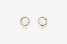 Material: brass, 18k gold plate, rhodium plate, swarovski, titanium Size: ring diameter 4cm, length 6cm
