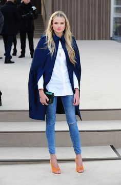 cape, blue and white, skinny jeans, orange heels, red lips... OR FASHIONABLE ORANGE LIPS