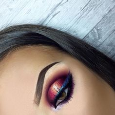 """60.7k Likes, 205 Comments - Morphe (@morphebrushes) on Instagram: """"Now THIS is how you add dimension to your eye. @leosmakeupstudio is totally slaying in the 35B &…"""""""