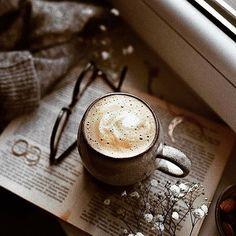 Coffee Corner S… 5 Astounding Diy Ideas: Cold Brew Coffee Menu coffee creamer art. Coffee And Books, I Love Coffee, Coffee Art, Coffee Break, My Coffee, Coffee Drinks, Morning Coffee, Coffee Cups, Coffee Mornings