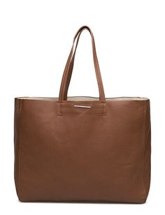 Vi har Mango Faux-leather Shopper Bag (Medium Brown) i lager på Boozt.com, för enbart 149 kr. Senaste kollektionen från Mango. Shoppa tryggt & säkert, snabb leverans.