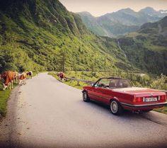 228 отметок «Нравится», 1 комментариев — BMW Classic (@bmwclassic) в Instagram: «An open road is just the beginning. Enjoy your Weekend. Thank you @gr33n_m2 #BMWClassic #FanFriday…»