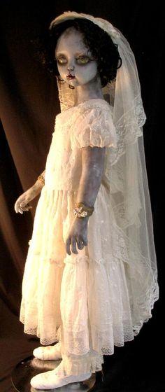 ☆ Yvonne's Communion  :¦: Gothic Dead Dolls By D.L. Marian ☆