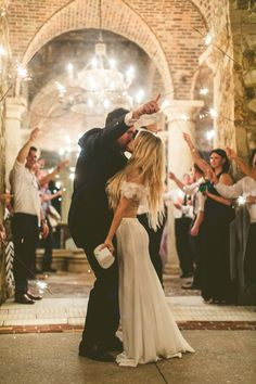 Gallery - Ever Wonder What A Bohemian Carrie Bradshaw Wedding Might Look Like? Wedding Ceremony, Our Wedding, Dream Wedding, Wedding Kiss, Summer Wedding, Wedding Stuff, Wedding Goals, Wedding Planning, Carrie Bradshaw