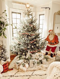 I'm joining with some of my favorite friends to bring you some gift wrapping inspiration! With the days… Merry Little Christmas, Christmas Love, Country Christmas, Beautiful Christmas, Vintage Christmas, Christmas Holidays, Christmas Decorations, Holiday Decor, Christmas Trees