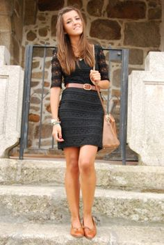 Could pull off this look with my cream vintage lace dress