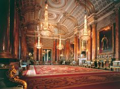 Inside Buckingham Palace : the Blue Drawing Room