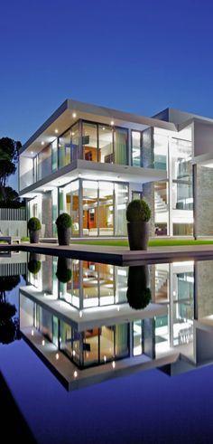 Trendy house modern glass architecture dream homes ideas Architecture Design, Contemporary Architecture, Amazing Architecture, Architecture Interiors, Modern Contemporary, Design Exterior, Modern House Design, Modern Glass House, Glass House Design