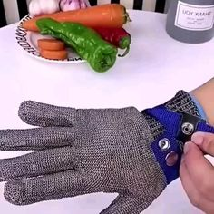 Cooking Gadgets, Kitchen Gadgets, Cool Gadgets To Buy, Protective Gloves, Diy Crafts For Gifts, Cool Inventions, Useful Life Hacks, Modern Kitchen Design, Kitchen Shelves