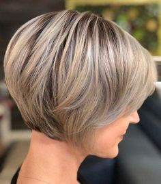 70 Cute and Easy-To-Style Short Layered Hairstyles Structured Jaw-Length Pixie Bob Short Stacked Bob Haircuts, Short Stacked Bobs, Short Bob Cuts, Short Hairstyles For Women, Hairstyles Haircuts, Layered Hairstyles, Super Short Bobs, Short Haircuts, Quick Hairstyles