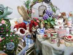 alice+in+wonderland+table+scene | tea party scene with the march hare and a dormouse alice in wonderland ...