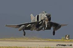 https://flic.kr/p/PgapEf   Phantom in the Dark   Turkish F-4 take off after AE15