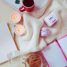 Relax! Mit der relaxing care day & night cream für gepflegte und entspannte Haut. Entdecke auf unserer Website alle Gesichtspflege-Produkte von bebe Young Care®: https://www.bebe.de/produkte/gesichtspflege/