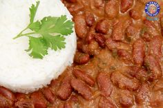 Learn how to make Rajma - Kidney Beans Curry Recipe by Ruchi Bharani on Rajshri Food. Rajma - Kidney Beans Curry Recipe by Ruchi Bharani - Vegetarian [HD] IN. Good Healthy Recipes, Healthy Foods To Eat, Healthy Eating, Amazing Recipes, Easy Recipes, Kidney Bean Curry Recipe, Masala Curry, Kidney Beans, Curry Recipes