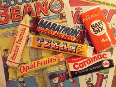 Comics and sweets - Happy Days ! Texan, Sherbert Fountain, Marathon etc Old Sweets, Vintage Sweets, Retro Sweets, 1970s Childhood, My Childhood Memories, Great Memories, Retro Recipes, Vintage Recipes, Marathon