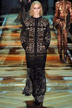Roberto Cavalli Fall 2011 Ready-to-Wear Collection Photos - Vogue