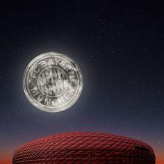 Der Super - Mond über der Arena :-)