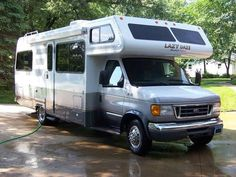 2005 Lazy Daze on RV Registry  -Ford E-450 chassis w/6.8L gasoline engine. Transmission was replaced under factory warranty at 20K miles. Nearly new brakes on all 4 corners. - See more at: http://www.rvregistry.com/used-rv/1006800.htm