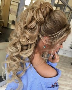 beautiful wedding hairstyles | Bridal hair down hairstyle ideas | messy updo | fabmood.com #weddinghair #harido #besthairstyle #hairstyle #hairstyleideas #weddingupdo #upstyle #bridalupdo #weddinghairstyles #updoideas #bohohairstyle #updowedding #updos