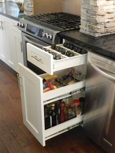 Refined by design interior design kitchen stove, kitchen cabinetry, kitchen Utensil Drawer Organization, Diy Drawer Organizer, Kitchen Cabinet Organization, Diy Organization, Living Room And Kitchen Design, Home Decor Kitchen, Interior Design Kitchen, Kitchen Stove, Kitchen Cabinetry