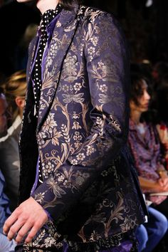 Roberto Cavalli Spring 2017 Ready-to-Wear Fashion Show Details