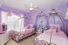 Imagine the look on your little girl's face when she gets to stay in this enchanting princess themed room ...ALL STAR Vacation Homes featured themed bedroom in Orlando, Florida
